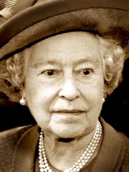 Queen-6-(close-up)web-final